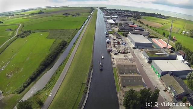 Workum-Kanal-aus-der-Luft-Kopie